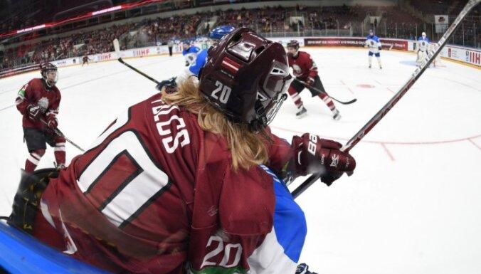 Latvijas U-20 hokejisti pēdējā pārbaudes spēlē pirms PČ sagrauj Austriju