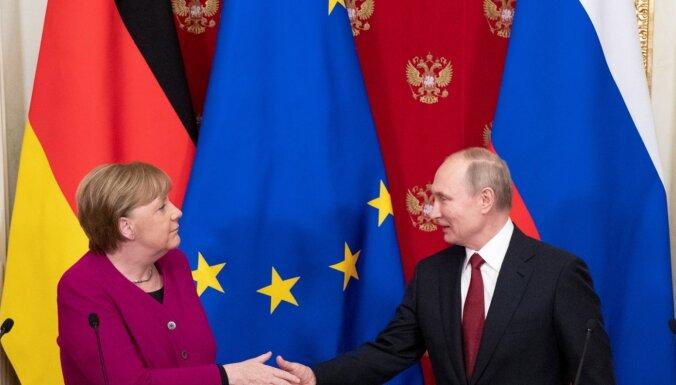 Меркель и Путин обсудили по телефону ситуацию в Идлибе