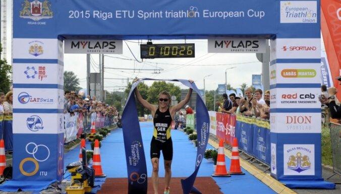 Рижский триатлон: Кубок Европы по спринту выиграли немка и россиянин