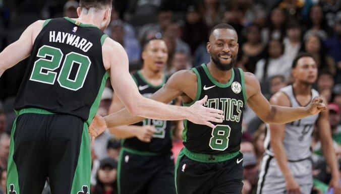 Heivorda rokas lūzums aizēno 'Celtics' septīto uzvaru pēc kārtas