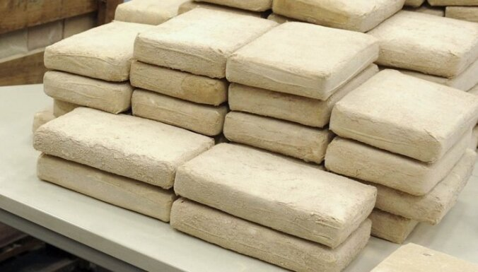 Parīzē policists no savas darbavietas nozog 52 kilogramus kokaīna