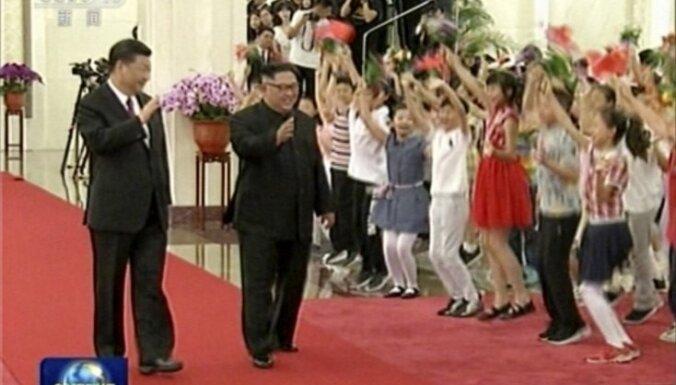 Kims un Sji pārspriež vēsturisko samitu ar Trampu