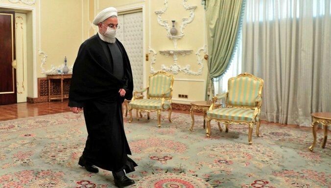 Covid-19: Irānas prezidents Ruhani brīdina par 'ceturto vilni'