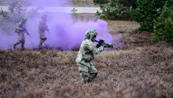 Foto: Latvijas militārie uzņēmumi un karavīri demonstrē tehnoloģijas un spēku mācībās 'Sudraba bulta'