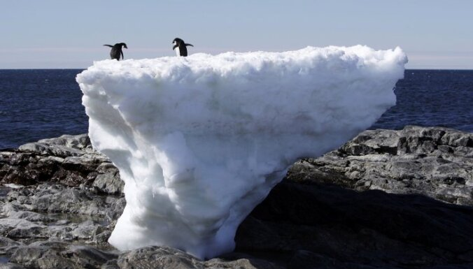 Antarktikā sabiezē ledus slānis, bet globālā sasilšana nav beigusies, atklāj zinātnieki