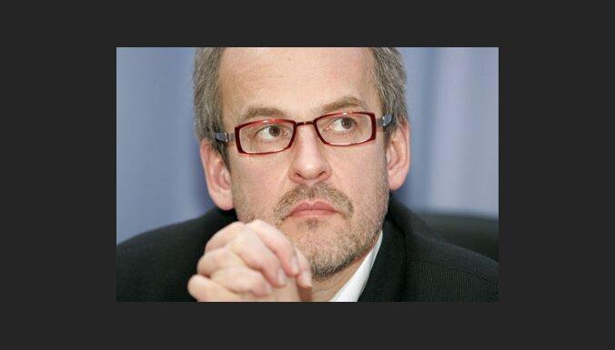 TB/LNNK valde: valdībai nekavējoties jāķeras pie ekonomikas 'sildīšanas'