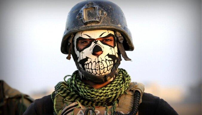 """Министр обороны Франции заявил о необходимости начать атаку на """"столицу"""" ИГ"""