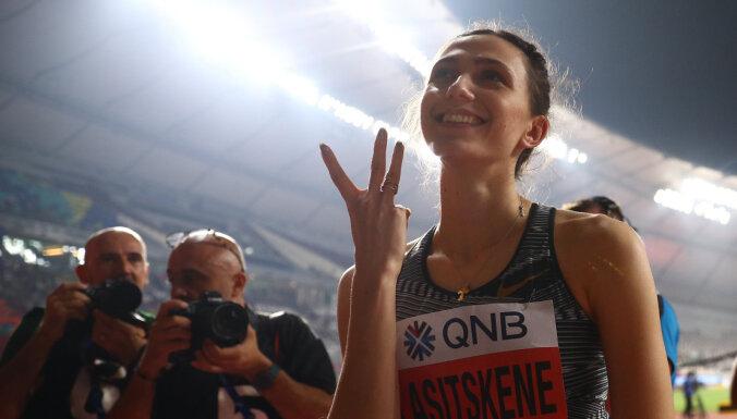 Россиянка Ласицкене стала первой в истории трехкратной чемпионкой мира в прыжках в высоту