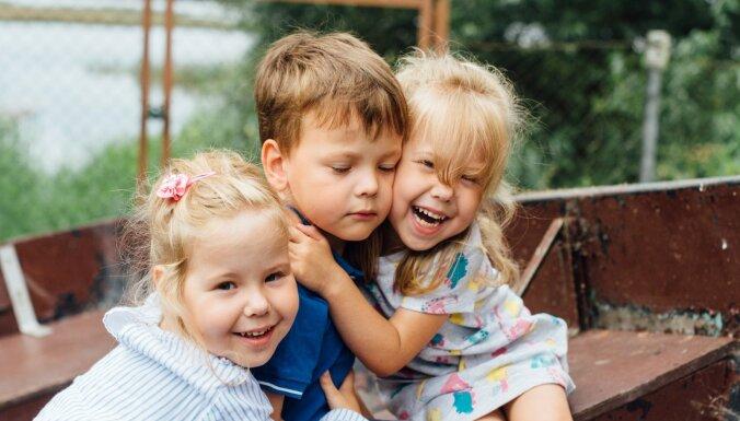 С тремя детьми легче, чем с одним. История родителей тройняшек — Светланы и Виктора