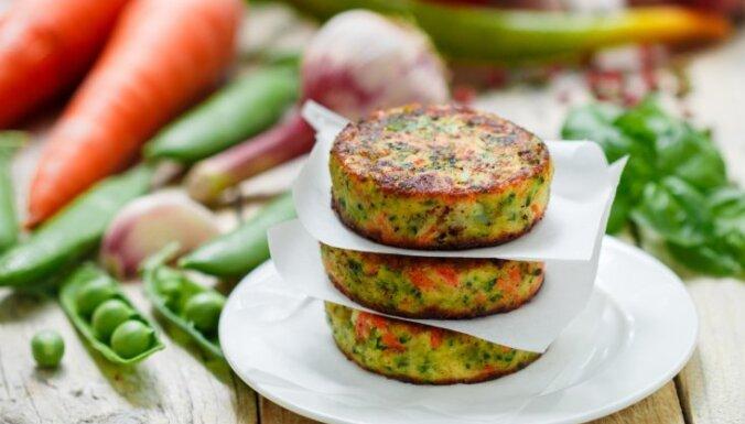 Kotletes bez kripatiņas gaļas – 10 dārzeņu un sēņu plācenīšu receptes