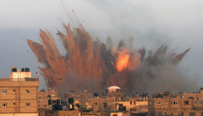 Gazas joslā bojāgājušo palestīniešu skaits pārsniedzis 300