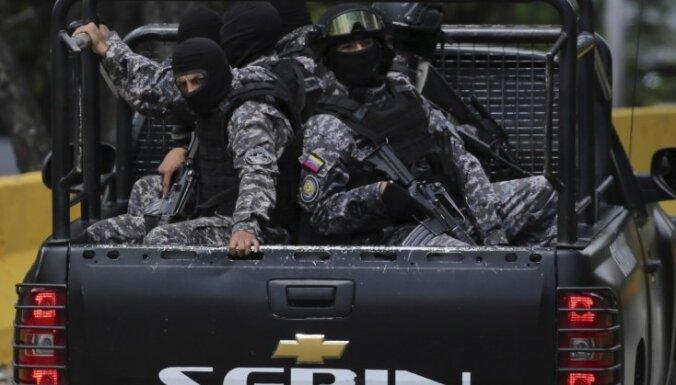 Venecuēlā operācijā pret valdībai uzbrukušu policijas pilotu vairāki nogalinātie