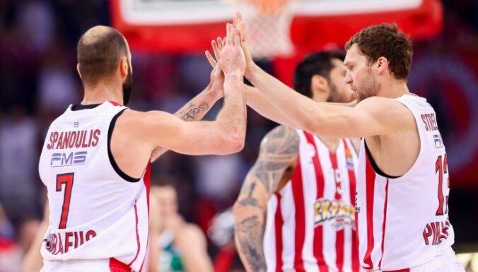 Strēlnieks un Timma neglābj 'Olympiakos' no zaudējuma 'Maccabi FOX'