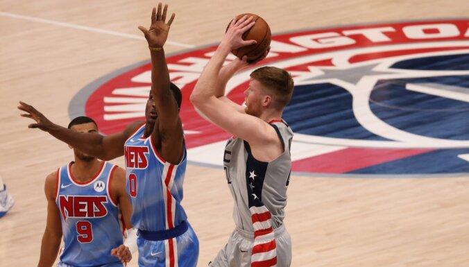 Bertānam 11 punkti; 'Wizards' spēles galotnē atspēlējas pret 'Nets'
