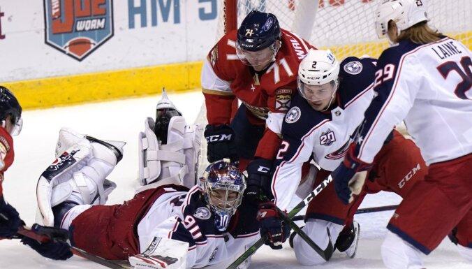 Merzļikinam varens sniegums zaudējumā; Balcera maiņas biedrs pārraksta NHL vēsturi