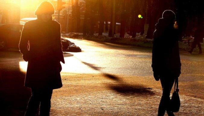 Драматическая ситуация на дорогах Латвии: сбитых пешеходов все больше