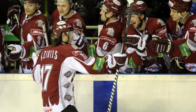 Rīgas 'Dinamo' otrajā pagarinājumā 'salauž' 'Torpedo', sērijā izvirzoties vadībā ar 2-1
