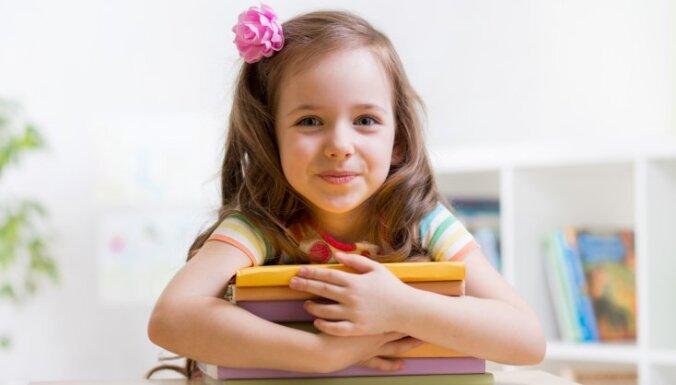 Četru bērnu tēvs: bērnam jājūtas mīlētam ne tikai ģimenē, bet arī skolā