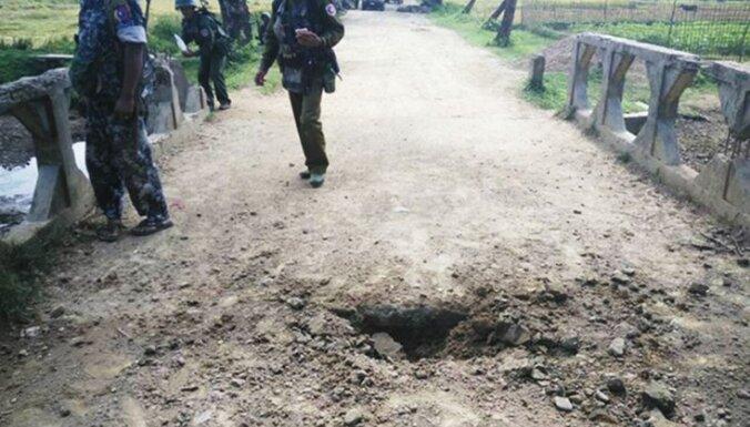 Armijas un rohingja musulmaņu Sadursmēs Mjanmā astoņi bojāgājušie