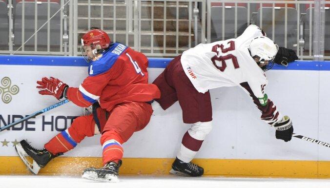Latvijas U-18 hokeja izlase piekāpjas Krievijas vienaudžiem