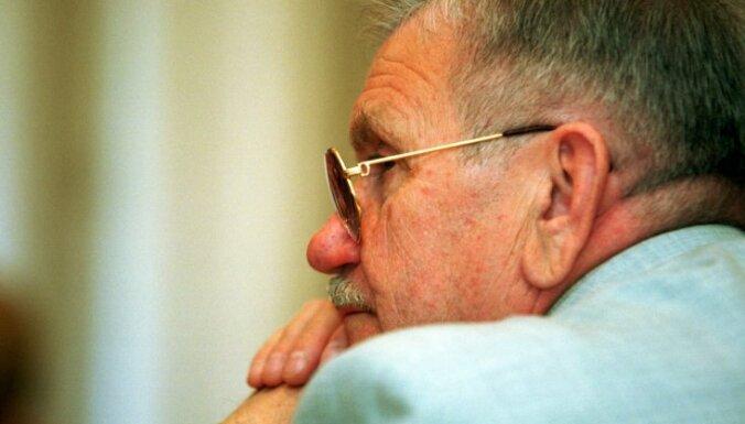 Умер Алоиз Вазнис, первый глава МВД после восстановления независимости Латвии