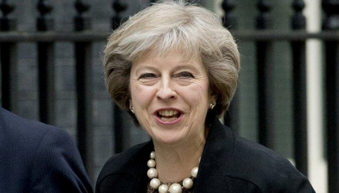 Balsojumā par Lielbritānijas premjerministra amatu Meja pirmajā kārtā izvirzās vadībā