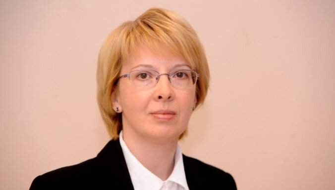 Мурниеце: Латвии не нужен общественный телеканал для русских
