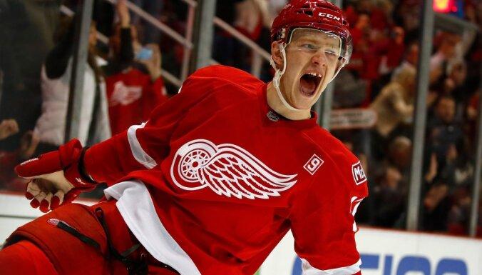 НХЛ: 18-летний россиянин Свечников превзошел достижение легендарного Ягра