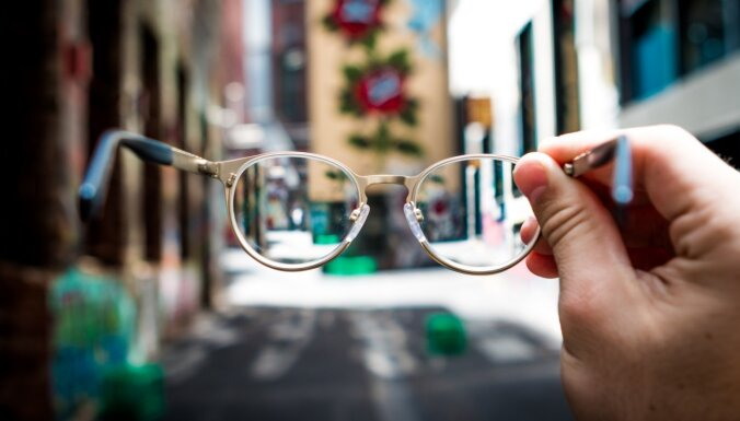 Vienkāršas ikdienā iekļaujamas darbības redzes uzlabošanai