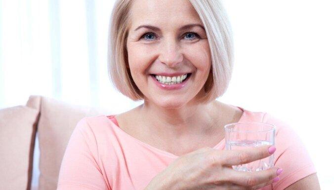 Pieci mīti un patiesība par zobu implantēšanu