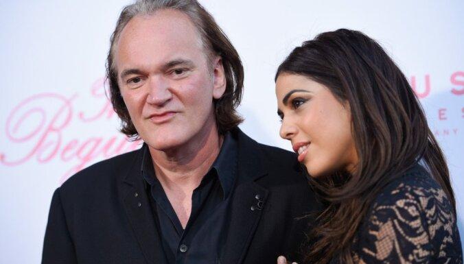 55 gadu vecumā pirmoreiz apprecējies režisors Kventins Tarantino