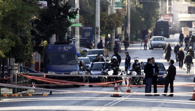 ФОТО: в Афинах обстреляли резиденцию немецкого посла
