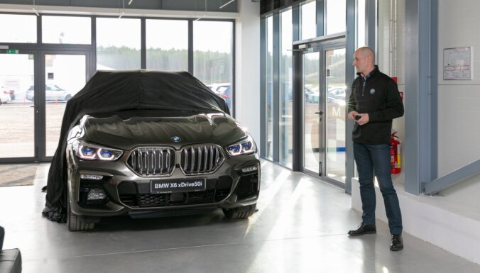 Foto: Latvijā prezentēts jaunais 'BMW X6' apvidnieks
