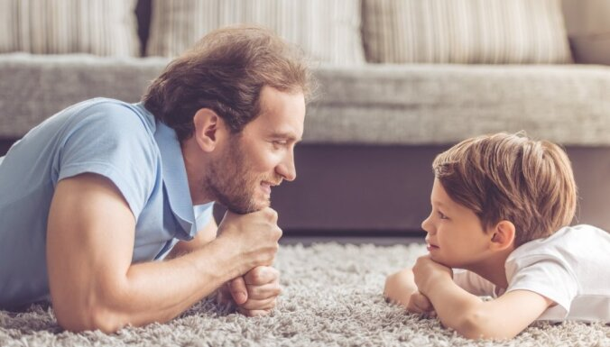 Инфографика: какие пособия и сколько дней отпуска полагаются молодым отцам