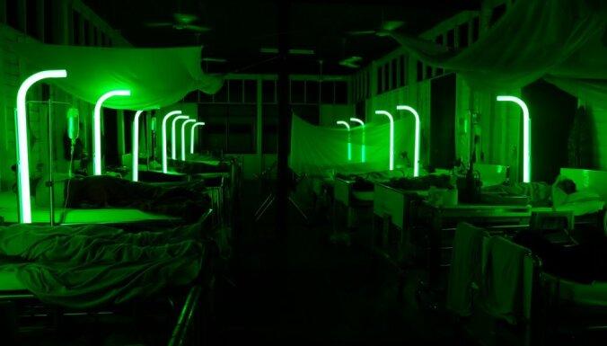 Riga IFF programmā – nesatricināms miegs filmā 'Greznības kapsēta'