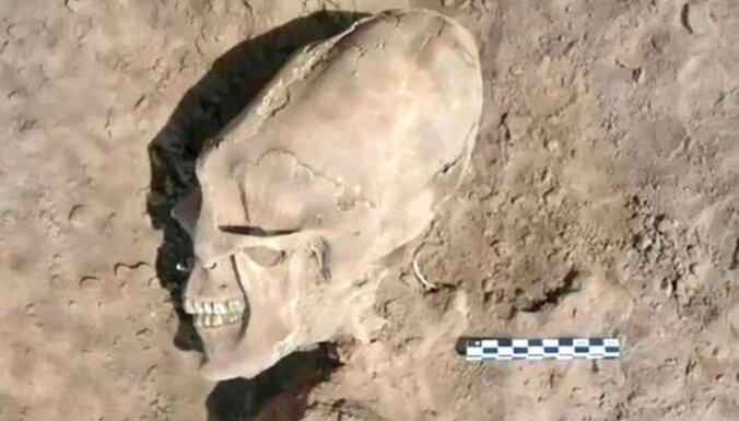 Meksikā atrod kapus ar ļoti dīvainiem ļaudīm