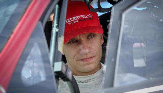 Jānim Baumanim piektā vieta rallijkrosa PČ sezonas pēdējā posma pirmajā kvalifikācijā