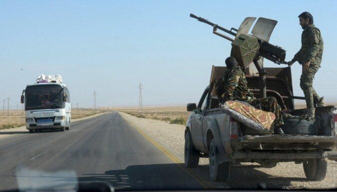 Trieciens Damaskai un Maskavai: Sīrijas nemiernieki atgūst armijas kontrolēto Moreku