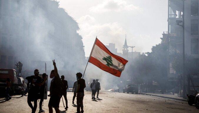 Foto: Beirūtā notiek protesti pret Libānas politisko eliti