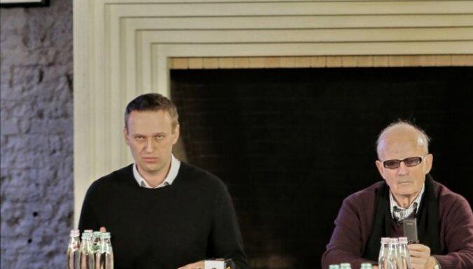 Pazīstamais Putina kritiķis Andrejs Piontkovskis devies projām no Krievijas