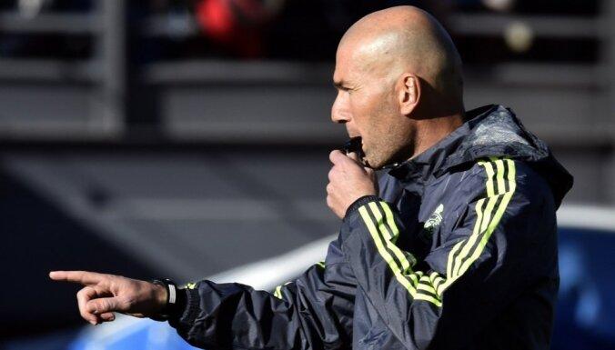 Zidāns veic pirmo pirkumu pēc atgriešanās 'Real' galvenā trenera amatā