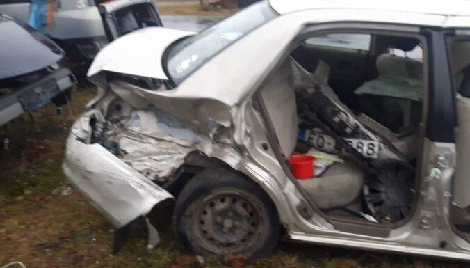 Дело о трагической аварии под Юрмалой: суд оставил в силе реальный срок для виновника ДТП