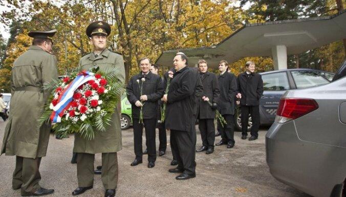 В Риге отметили годовщину освобождения столицы от нацистов (фото)