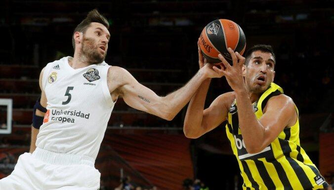'Real' basketbolisti cīņā par trešo vietu Eirolīgā uzvar 'Fenerbahce' komandu