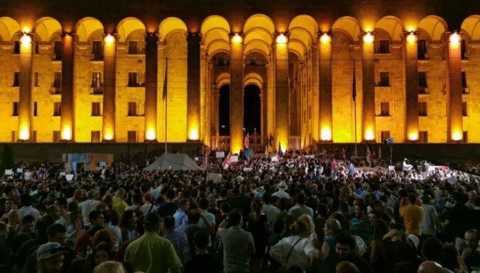 Новая акция протеста в Тбилиси. Активисты требуют отставки главы МВД