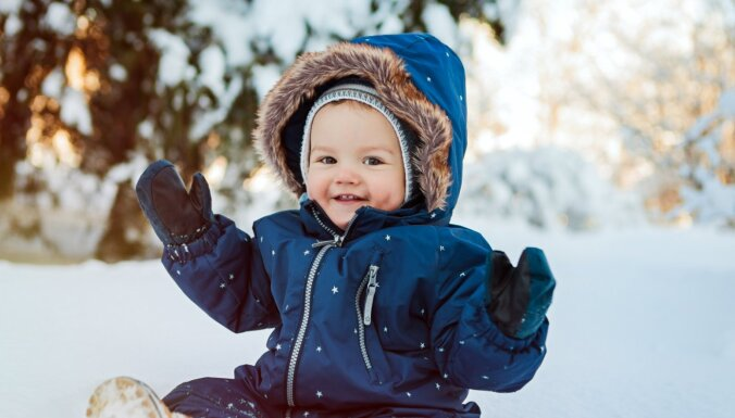 В ближайшие сутки во многих районах Латвии пройдет снег