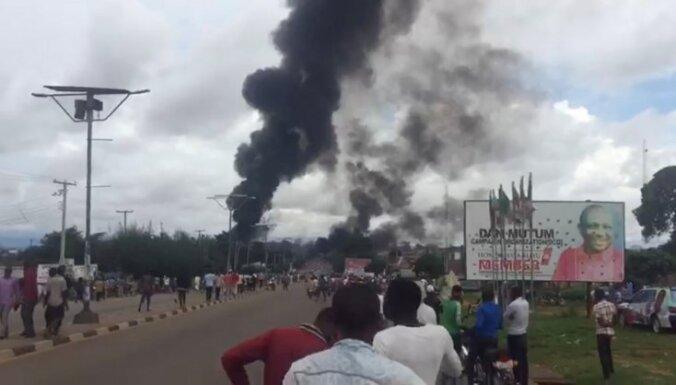 Nigērijā uzsprāgusi autocisterna, bojā gājuši 35 cilvēki