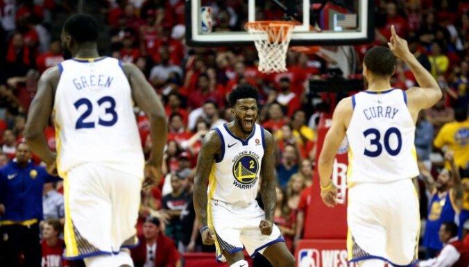 Goldensteitas 'Warriors' ceturto gadu pēc kārtas iekļūst NBA finālā un ceturto reizi tajā tiksies ar 'Cavaliers'