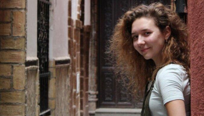 Живя в тишине, можно сойти с ума. Как неслышащая Мария стала говорить на трех языках и уехала учиться в Нидерланды