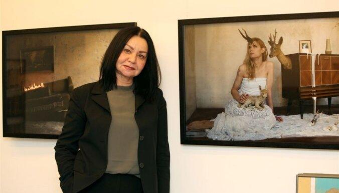 Mākslas zinātniece: 'Izstāžu process ir kā buljons – ja notiek nepārtraukta vārīšanās, varam cerēt uz sasniegumiem'